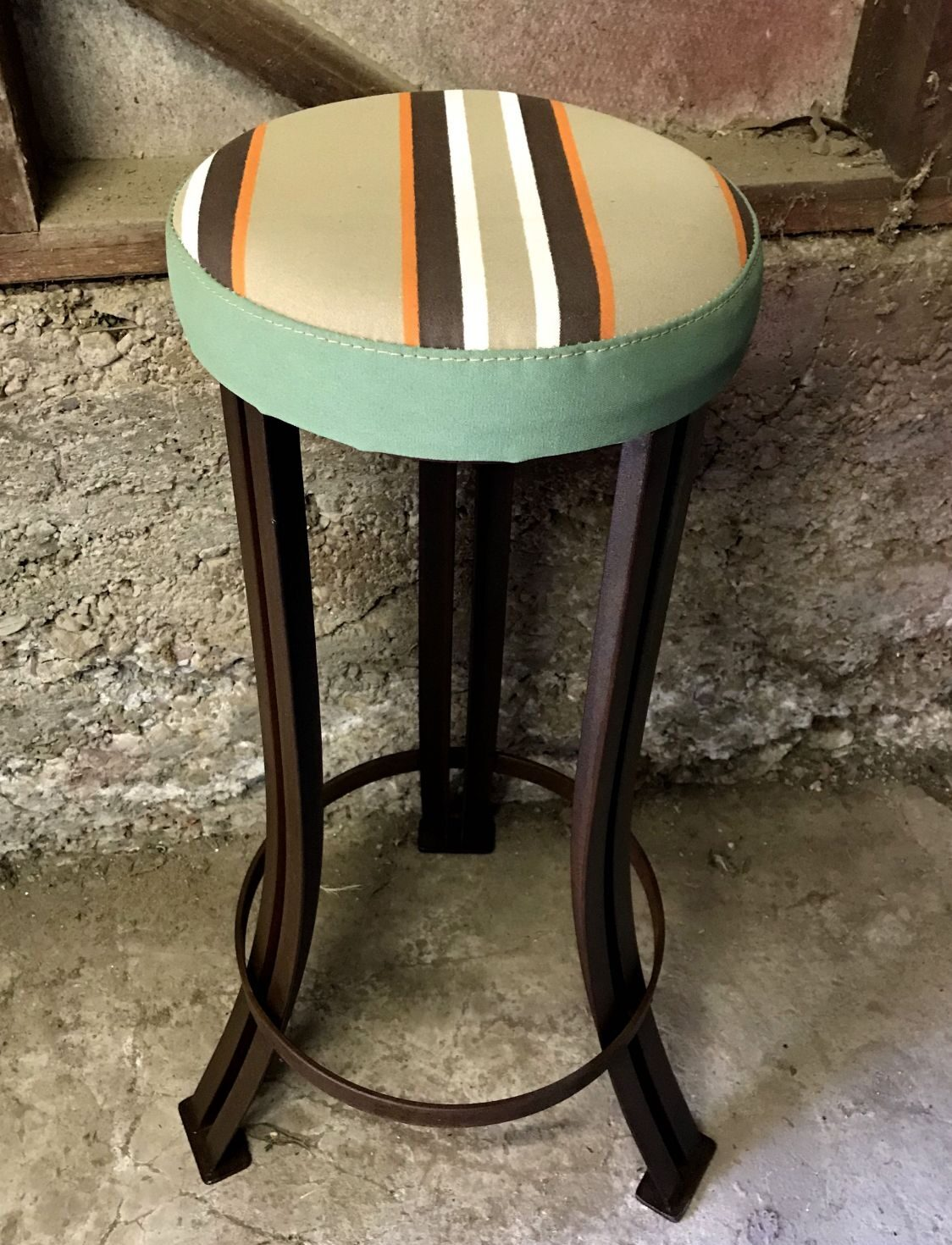 Steel bar stool – striped canvas top